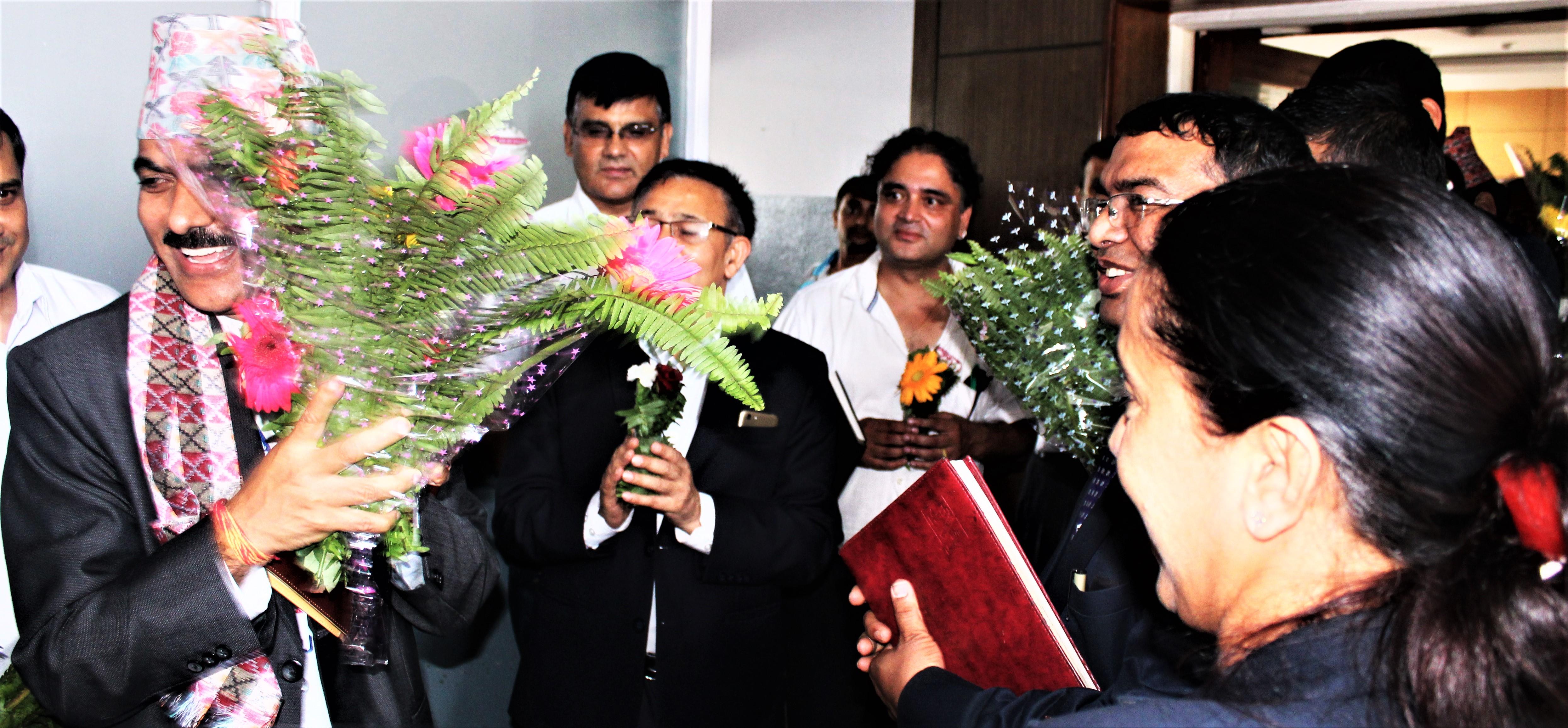 उद्योग, बाणिज्य तथा आपुर्ति मन्त्रालयका सचिव श्री वैकुण्ठ अयार्लज्यूको मिति २०७६।०५।०५ मा सम्पन्न स्वागत कार्यक्रमका तस्वीरहरु